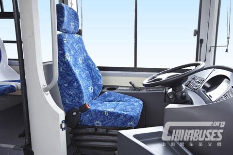 XMQ6127GS Cab