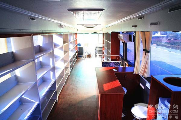 Higer Mobile Library Brings Knowledge to More People
