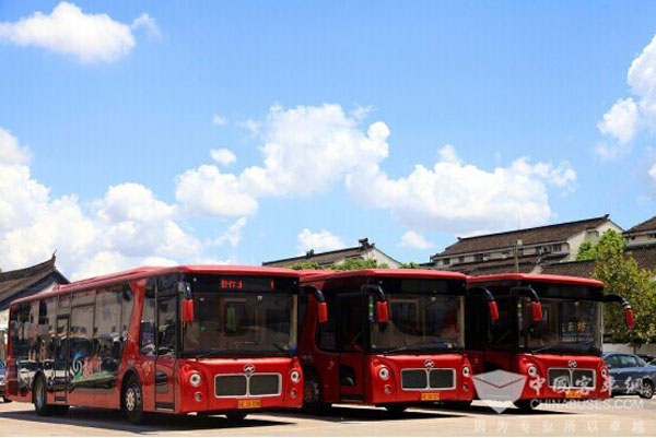 Higer Bus Tour in Suzhou Covered in Xinhua News