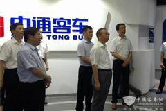 Liu Jiayi Pays a Special Visit to Zhongtong