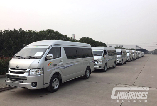 Higer New Hiace Vans Shipped in Batches