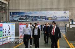 Hong Kong Officials Visit Sunlong in Shanghai