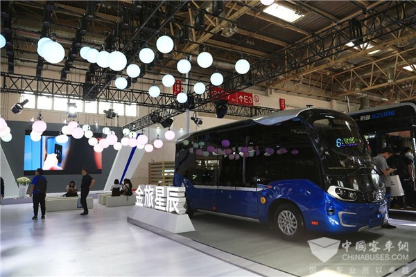 Golden Dragon to Bring ASTAR and Navigator on Display at Bus & Truck Expo 2019