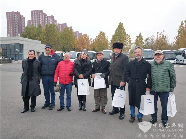 Mexican Journalists Pay a Visit to Yutong