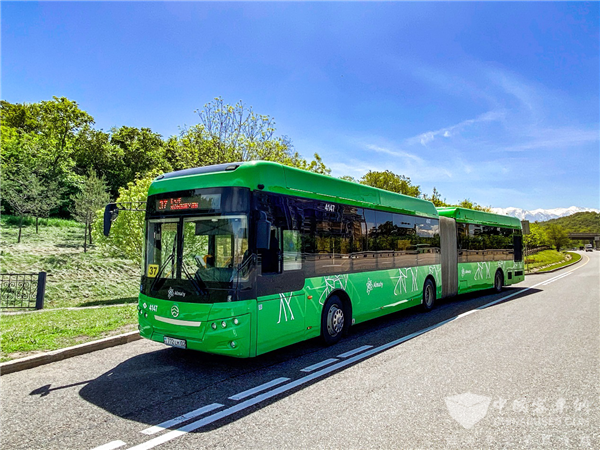 Golden Dragon After-sales Service Engineers Provide Full Supports for Bus Drivers in Almaty