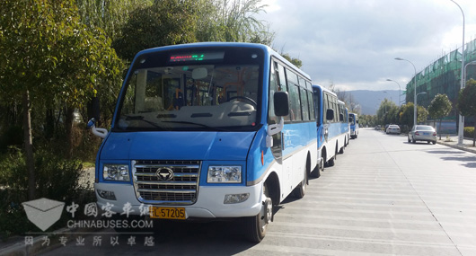 Hengtong Mini Buses Facilitate Residents